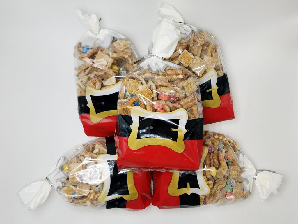 Christmas Trash Snack Mix